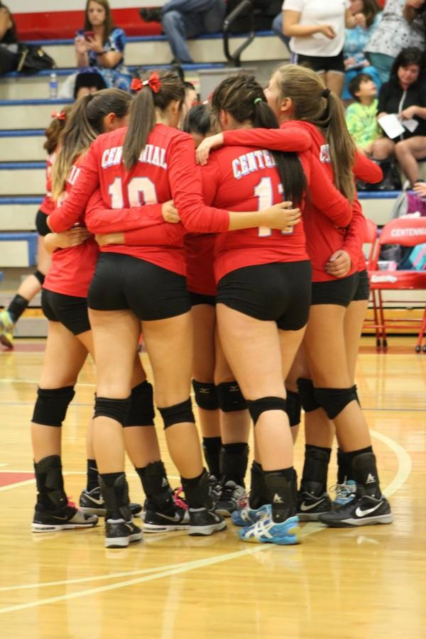 The+volleyball+team+has+hung+together+through+a+string+of+tough+losses.+