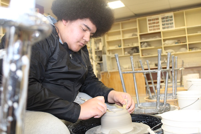 Washington Throws the Distance in Ceramics