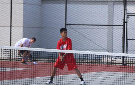 Boys Tennis Starts 2-1