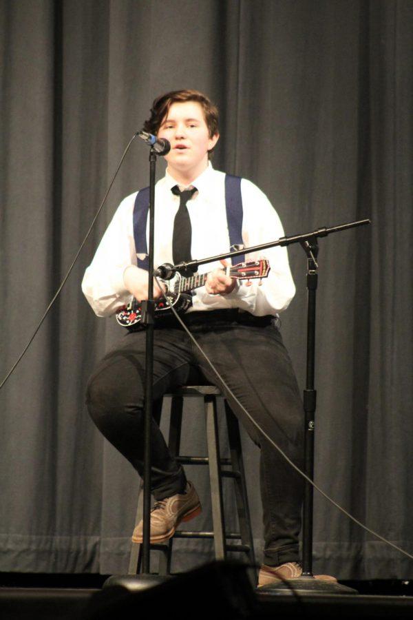 Trysten Tomlinson performs