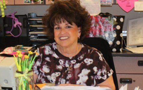 Receptionist Shelley Johnson Retires